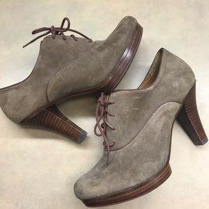 "Sofft ""Mya"" Oxford Suede Pumps/Heels like new"